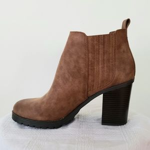 Sam and Libby brown ankle boot